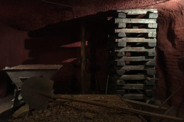 Sept 2019 - Musée Les Gueules Rouges, Tourves  Intérieur de la mine